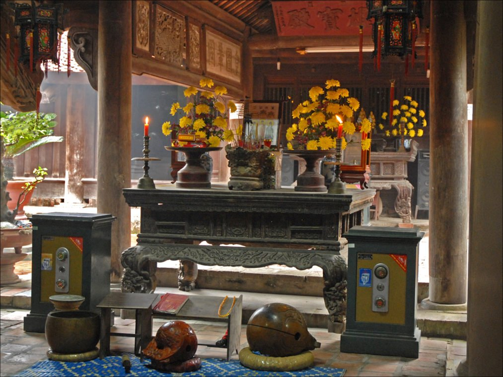 Autel de la pagode But Thap - Vietnam