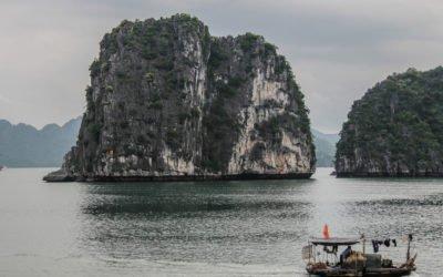 Découvrir la baie d'Ha Long en kayak