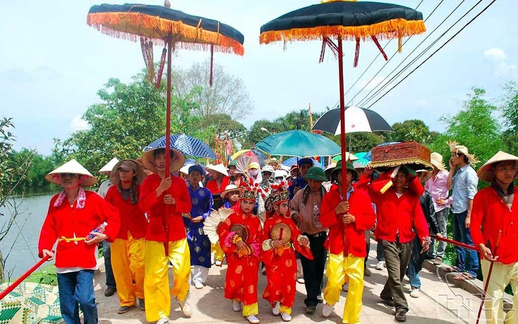 Procession, fête de Gióng, Phu Dong, Vietnam