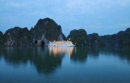 Baie d'Halong - Navire Au Co