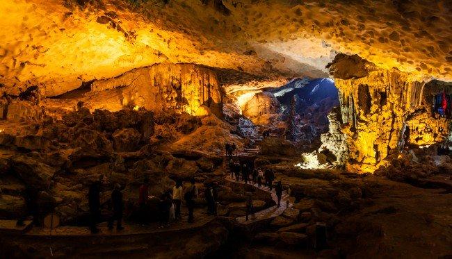 Grotte - Baie d'Halong par John_DL