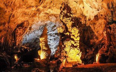 Explorer les grottes de Phong Nha