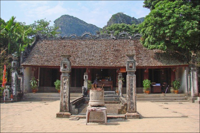 Temples dynastiques Dinh et Le par Jean-Pierre Dalbéra
