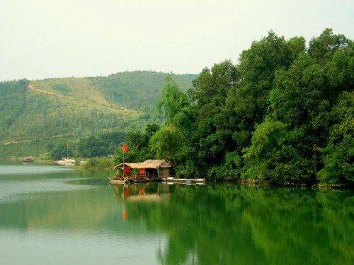 Lac de la Ferme du Colvert par Kevjblack