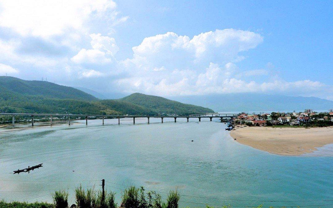 Le Vietnam en train et en vidéo