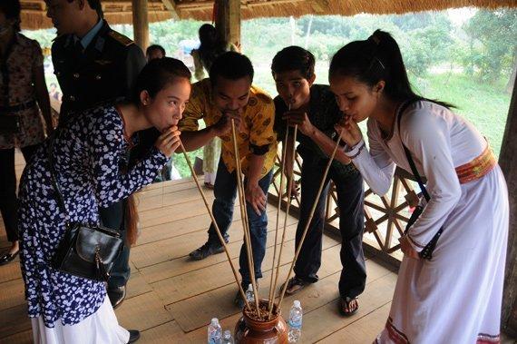 Fête Xip Xi chez les thaïs blancs, Vietnam